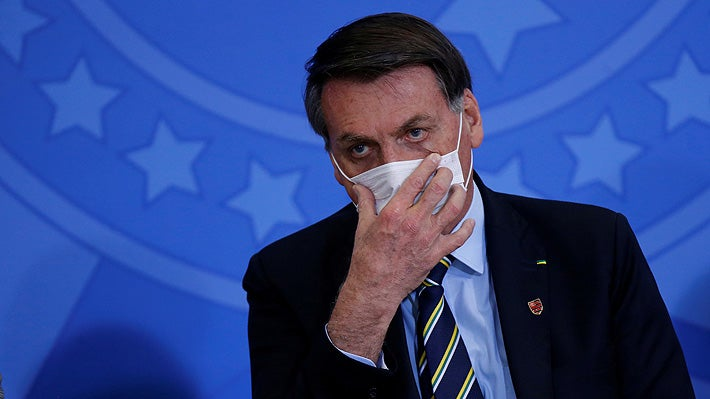 Jair Bolsonaro confirma contagio de la «gripecita» Covid-19; se aplica cloroquina