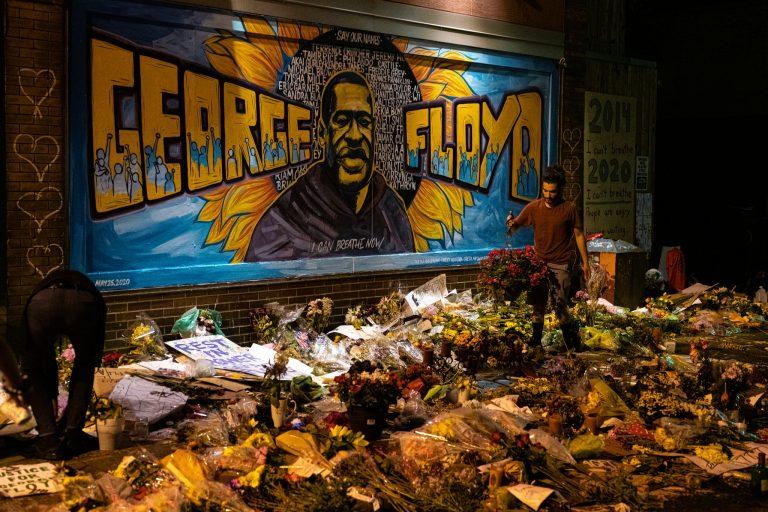 'Mamá, te quiero; estoy muerto: audio de George Floyd antes de morir