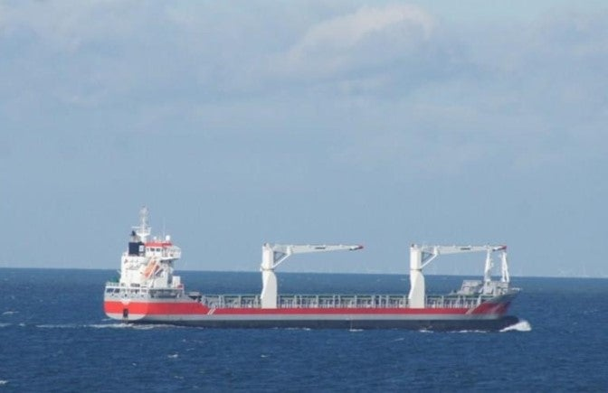 Experta naval: ¿Qué podría estar pasando con el buque que trae hospitales móviles?