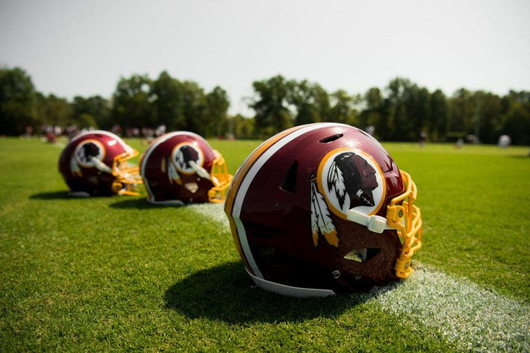 La NFL se pronuncia ante denuncia de acoso sexual contra los Redskins
