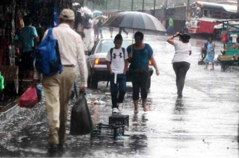 CLIMA DE ESTA TARDE: cielos nublados y lluvias con actividad eléctrica para Honduras