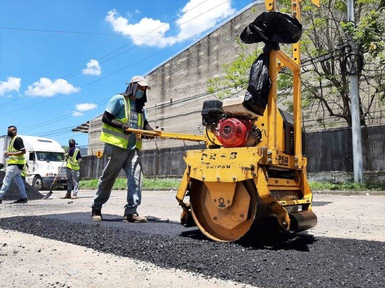 Reparan y dan mantenimiento a red vial de San Pedro Sula