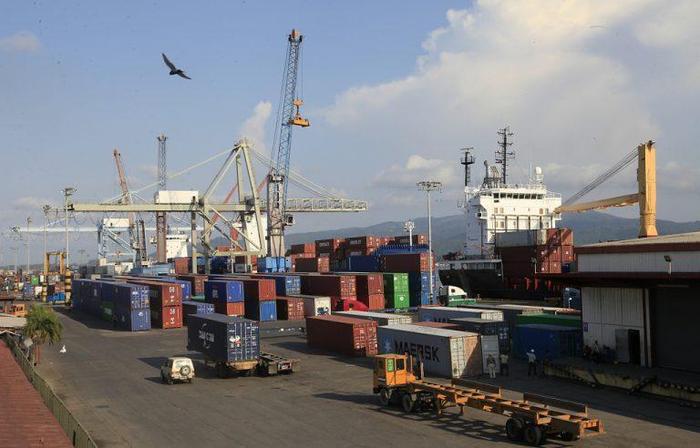 Aduanas anuncia entrega de paquetería retenido desde 2018