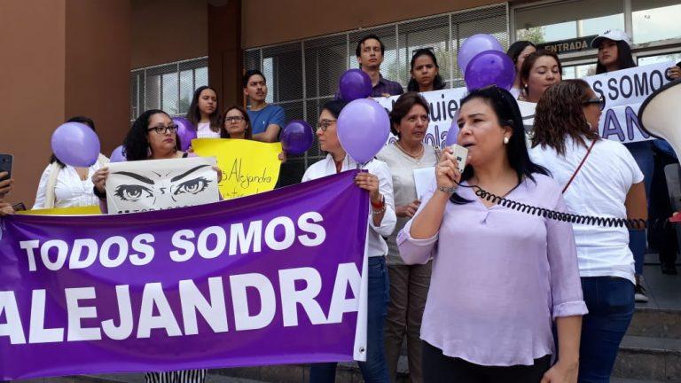 """A 16 meses del abuso contra """"Alejandra"""", ¿se hará justicia en La Ceiba?"""