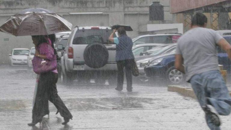 """Honduras debe prepararse para """"embestida"""" ante llegada de huracanes, dice experto"""