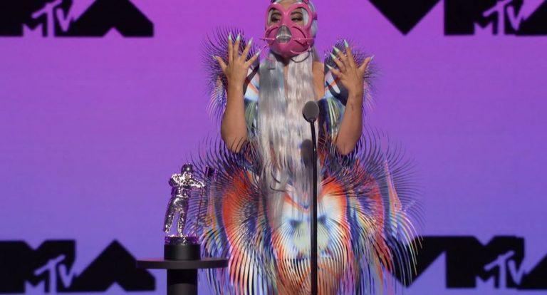 Protesta, trajes extravagantes y mascarillas, ¡así fueron los MTV VMA 2020!