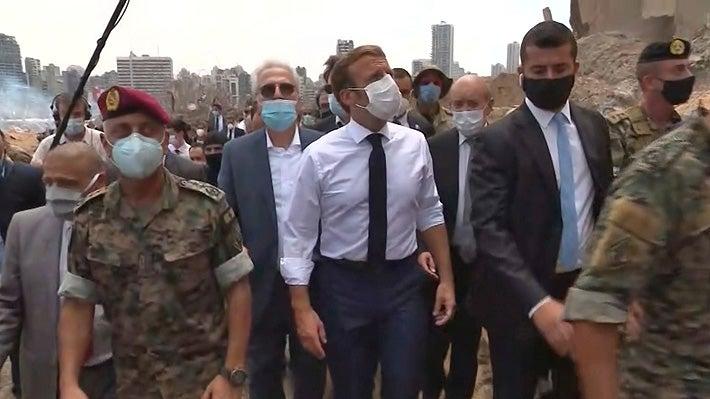 Macron visita Beirut tras explosión y promete «ayuda internacional»