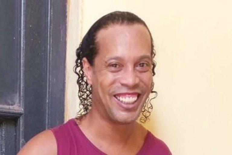!LIBRE¡ Ronaldihno sale de prisión luego de cinco meses en Paraguay