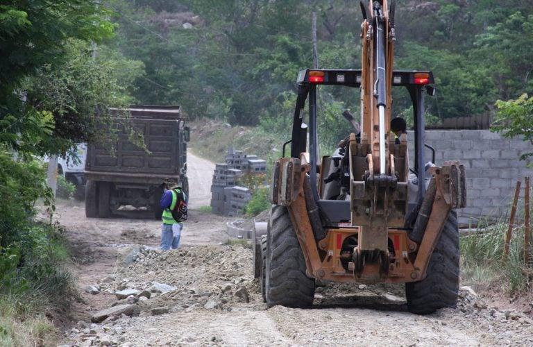 San Pedro Sula: Reparan 18 kilómetros de la red vial no pavimentada