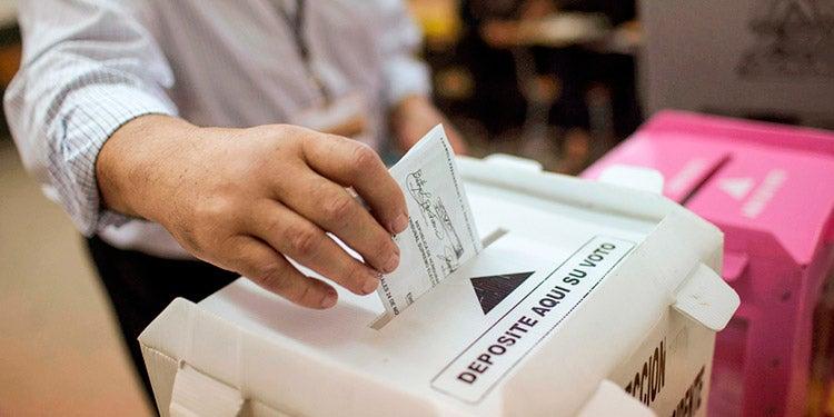 Pleno del CNE a favor de la segunda vuelta electoral; tema pasa al Congreso