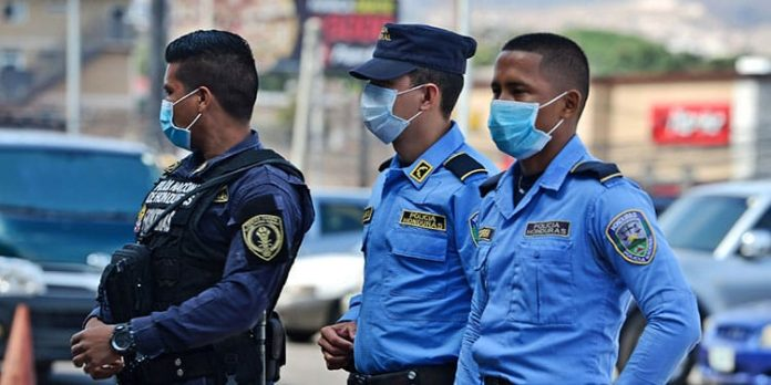 Policía Nacional cobra por insumos