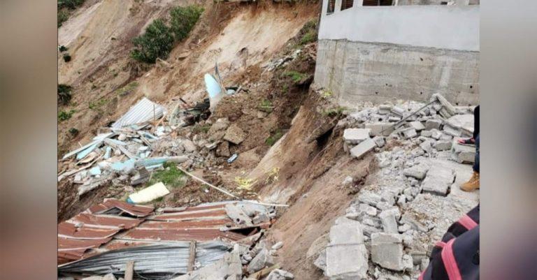 Habilitan albergues para damnificados por derrumbes en Las Lajas
