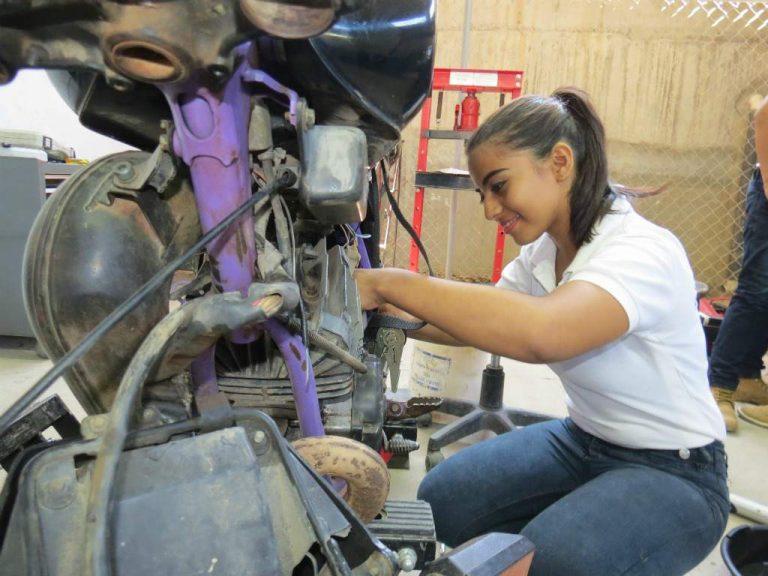 Jóvenes retomarán su formación técnica en la Escuela Taller de Comayagua