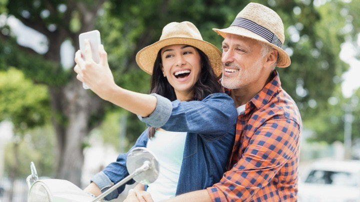 DE MUJERES  Psicólogos explican por qué te gustan los hombres mayores