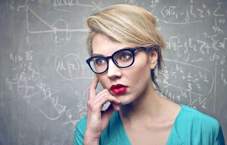 Estas son las características que definen a las mujeres inteligentes