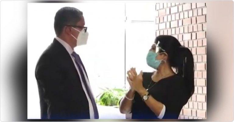 Waleska Zelaya llega a la ATIC a declarar sobre millonaria venta de mascarillas