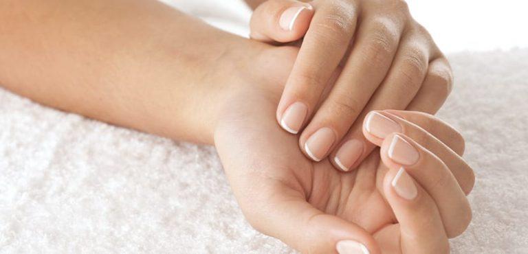 Aceite de coco y otros remedios para tratar las uñas amarillas