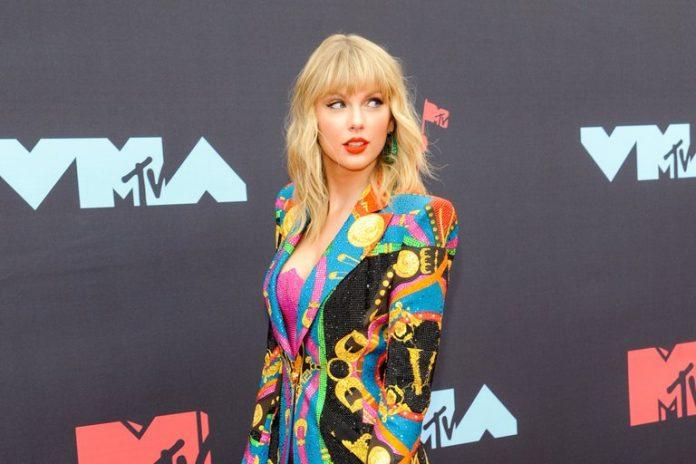 Taylor Swift cantará country