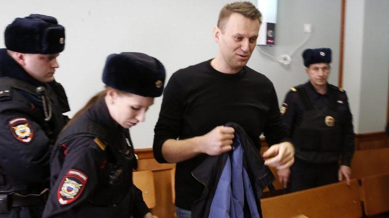 Alemania afirma que opositor ruso fue envenenado; exige explicaciones a Rusia