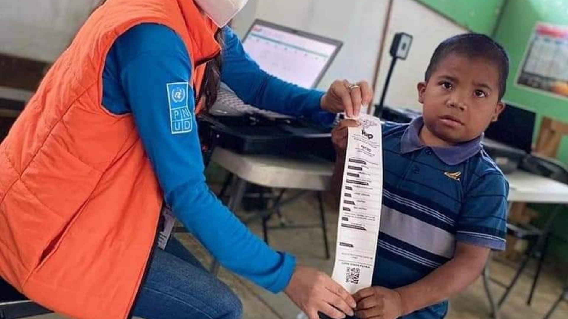 Wilson Vásquez, el «pequeño joven» que llamó la atención en enrolamiento del RNP