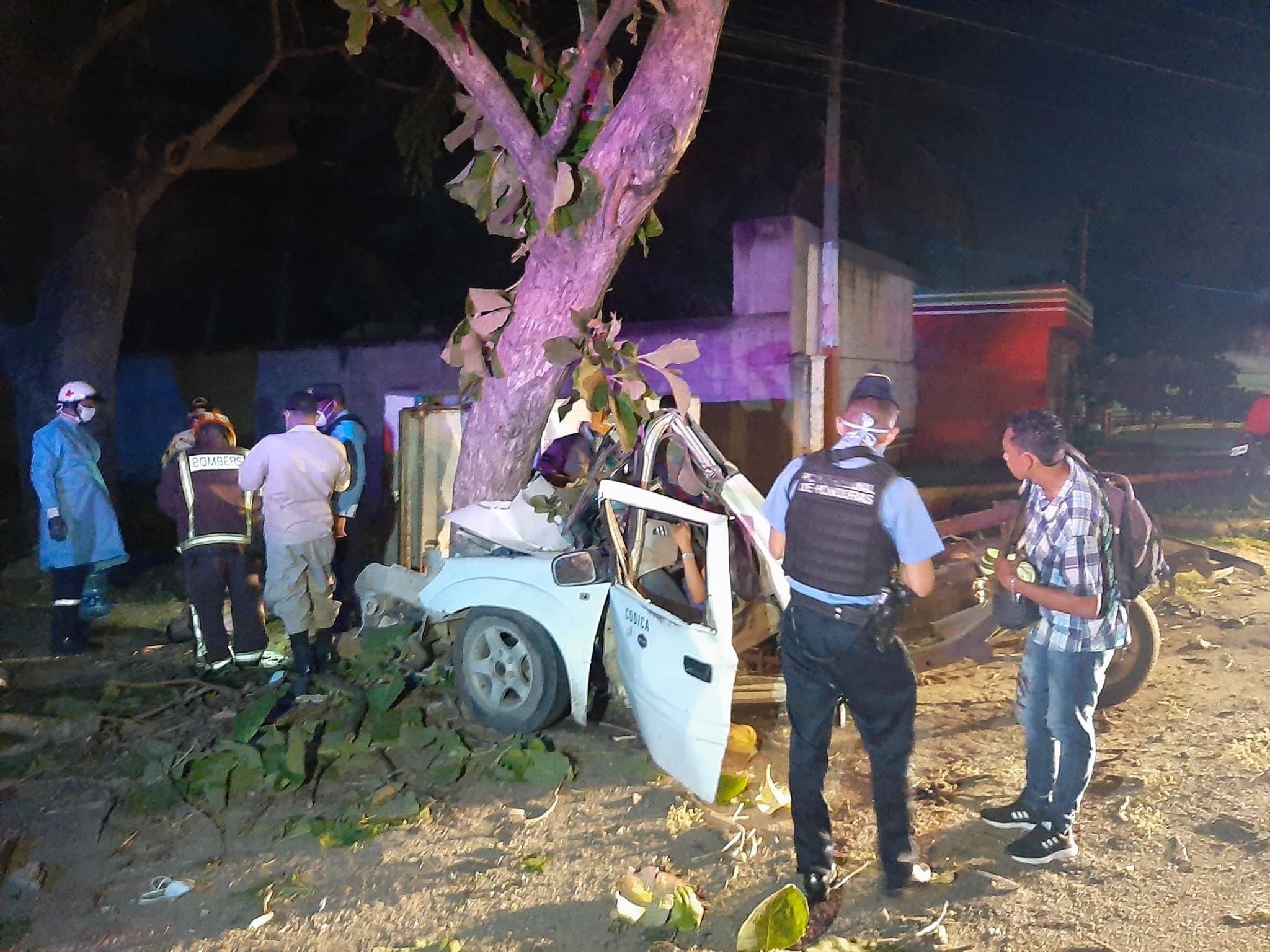 carro choca en Villanueva