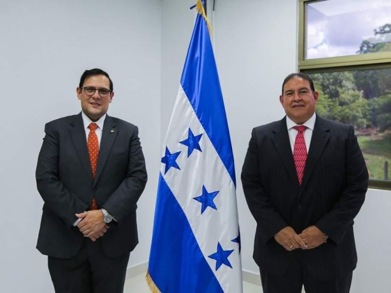 Juramentación de Luis Suazo como embajador de Honduras en Washington.