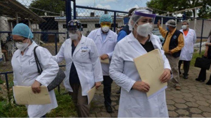 Médicos despedidos IHSS