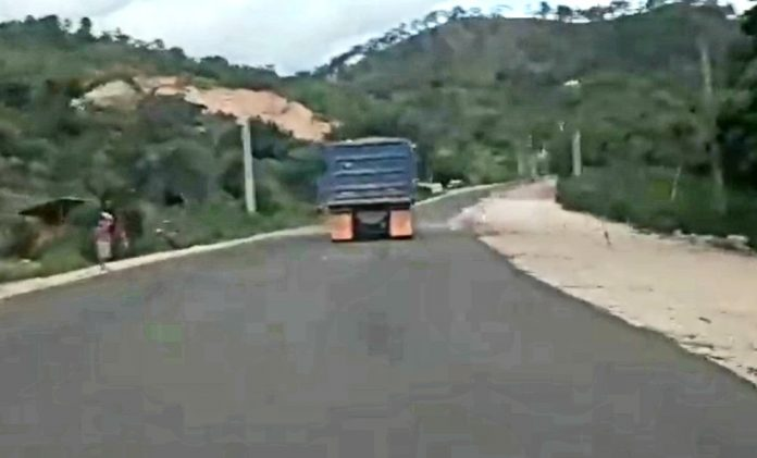 volqueta carretera a Danlí