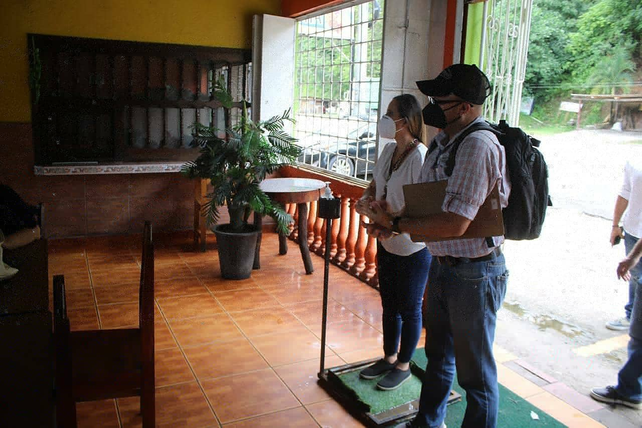Inspección a restaurantes para verificar medidas de bioseguridad.