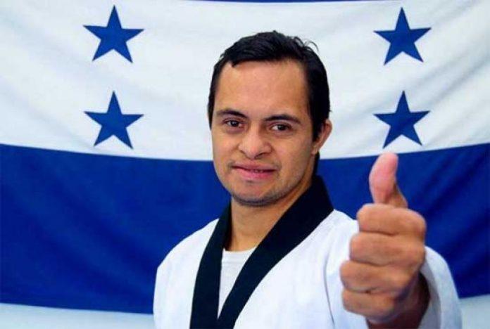 hondureño gana concurso de Taekwondo