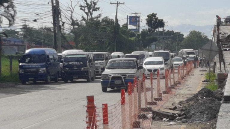 Caravana de «rapiditos» en SPS: con o sin salvoconducto van a trabajar el lunes