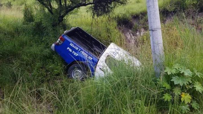 Patrulla cae en barranco en Tegucigalpa