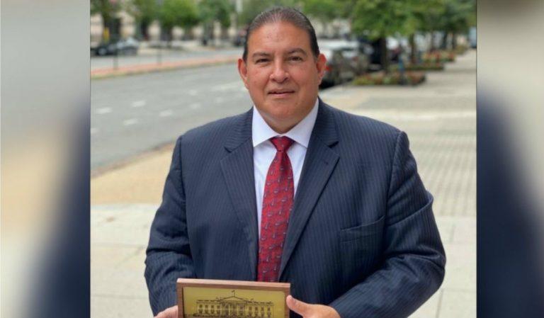 Luis Suazo, embajador hondureño, presenta cartas credenciales a Donald Trump