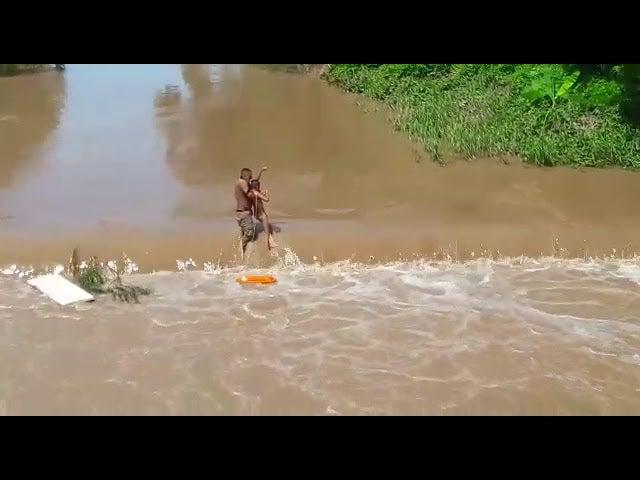 Video – El Progreso: Bombero salva de la muerte a niño en el río Ulúa