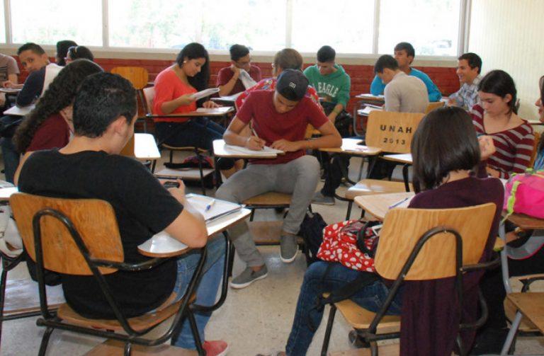 "Educación superior: preparan ""modelo mixto"" que permitirá regreso a clases"