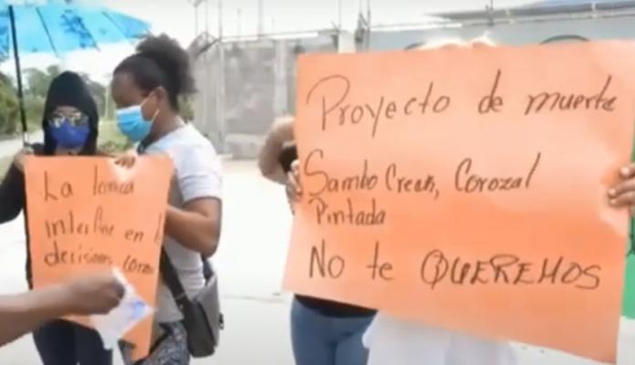 Laeisz protesta Atlántida