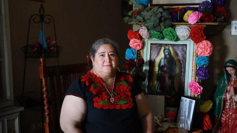 «Dama Banquera», la prestamista que tiende la mano a indocumentados en EEUU