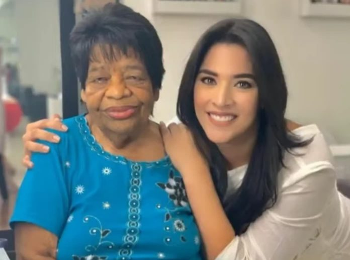 Abuela Carolina Lanza
