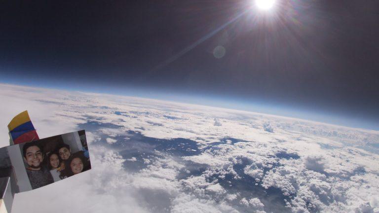 Influencer envía cámara al espacio y difunde las impresionantes imágenes