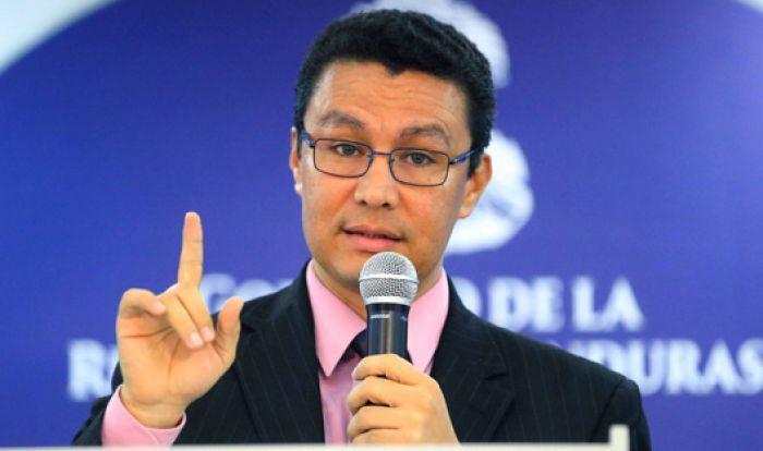 Ebal Díaz descarta que Gobierno vaya a debatir el cobro de nuevos impuestos