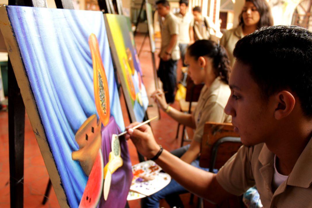 MotivArte campaña que incentiva artistas