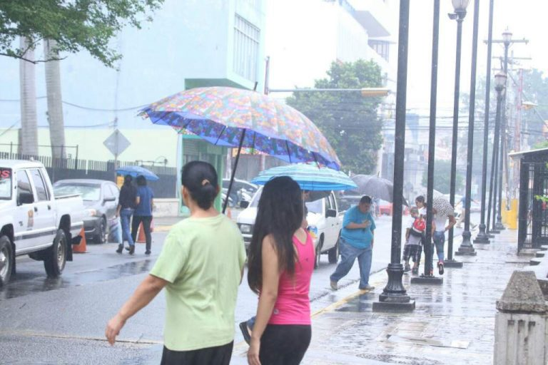 CLIMA DE ESTA TARDE: Prevén lluvias en todas las regiones de Honduras
