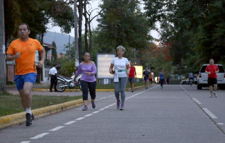 ¡ATENCIÓN! Consejos vitales que debe saber si practica ejercicios en la calle