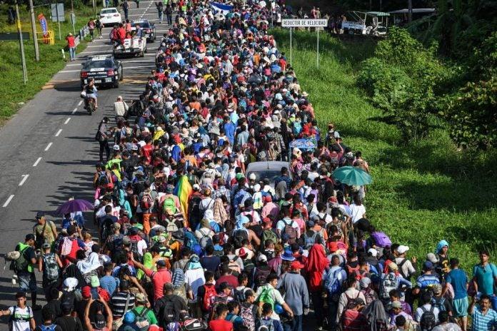 pandilleros en caravana de migrantes