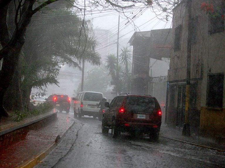 CLIMA DE ESTA TARDE: Lluvias con actividad eléctrica en varias zonas de Honduras