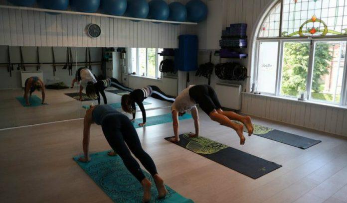 Yoga en adultos mayores