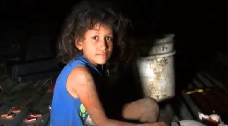 Alejandra, la niña que durmió sobre un techo por inundaciones, ahora tendrá casa propia