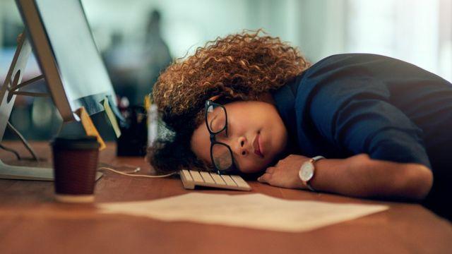 Estudio:  Mujeres que laboran más de 8 horas diarias, más propensas al cáncer