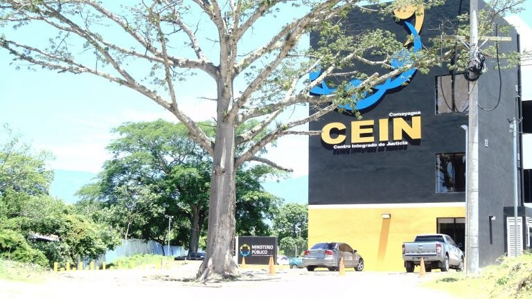 Comayagua: condenan a 16 años de cárcel a violador que encerró a niña por ocho días