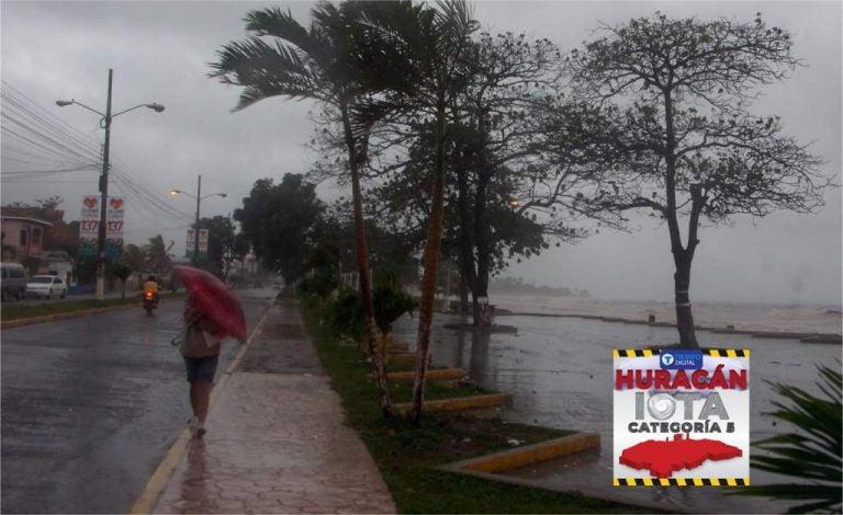 Iota: decretan toque de queda absoluto a partir de las 5:00 pm en La Ceiba